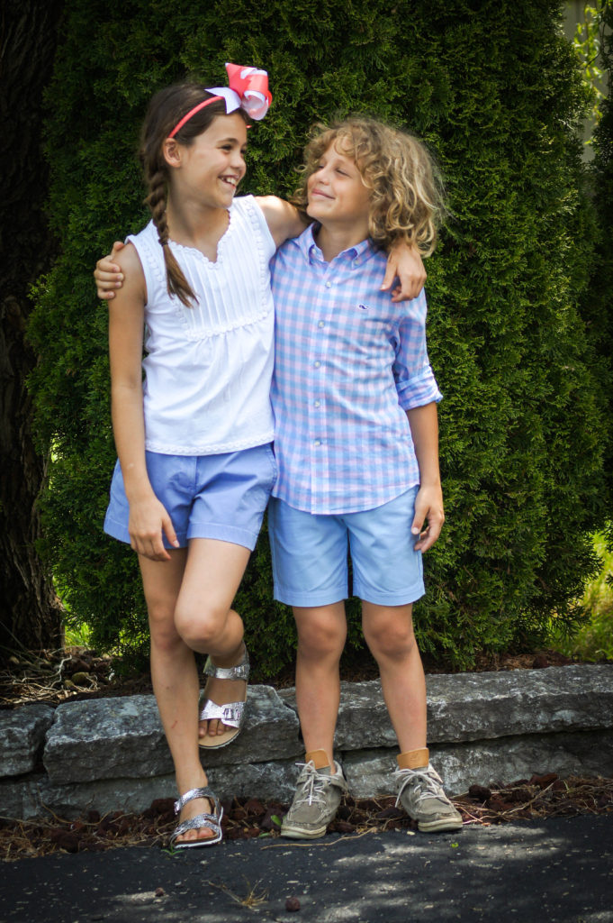 Sibling Love | Summer Vibes | 4th of July Outfits with Vineyard Vines Indy featured by popular Indianapolis fashion blogger Karina Style Diaries