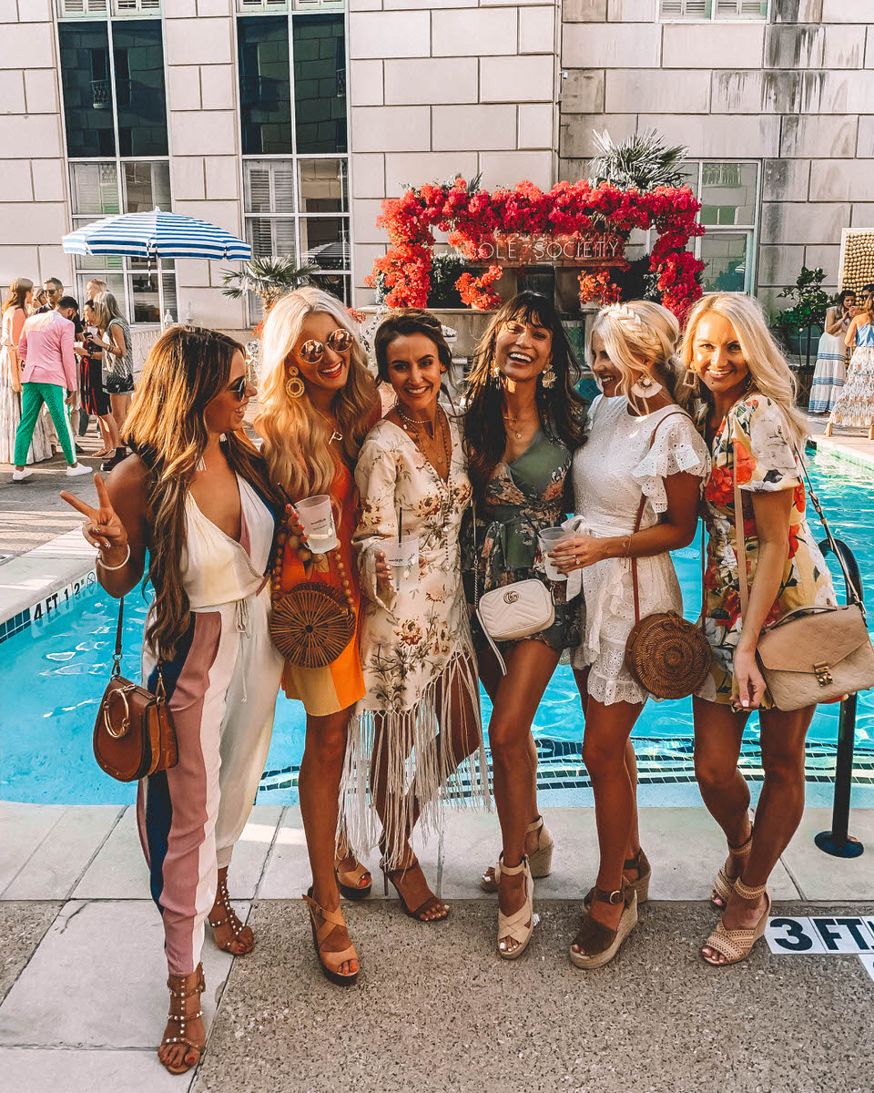 Fashion Blogger Karina Reske, Kathleen Post, Peyton Baxter, Bailey Schwartz, Holly Boyd and Jen Adams at the rStheCon | kimono fringe dress | pool party outfit | bamboo bag