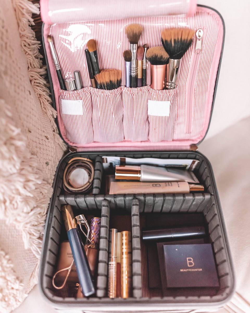 makeup case | how to pack light | travel hacks
