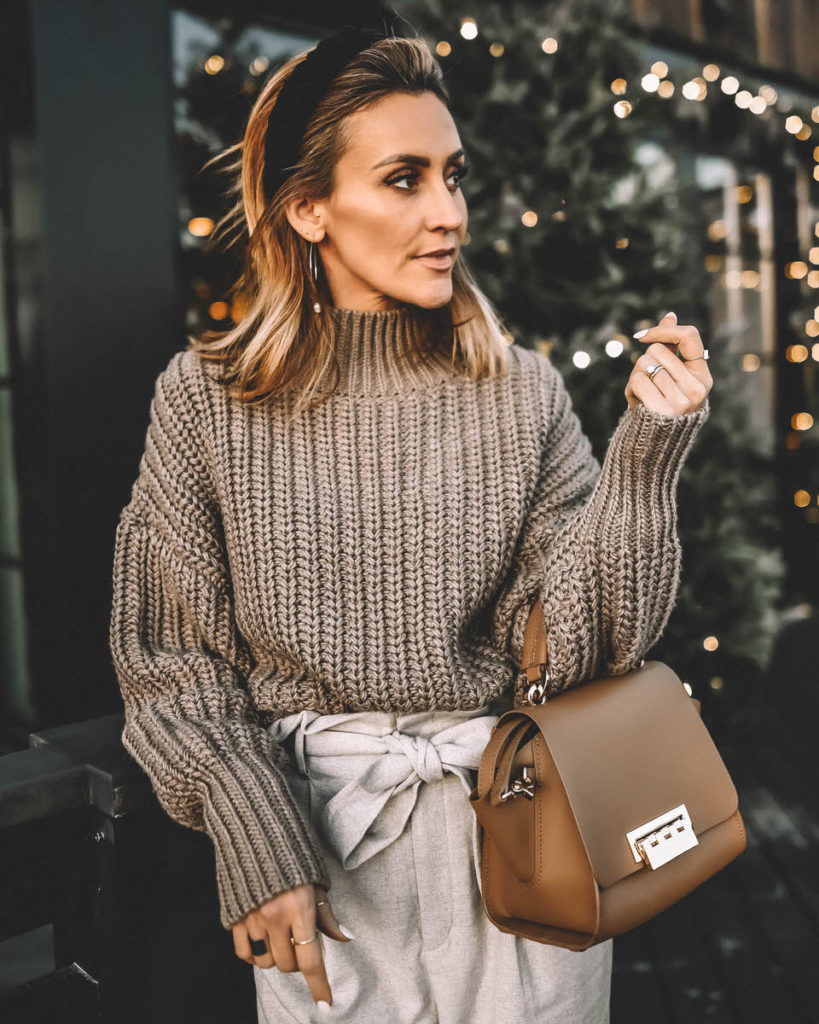 Mauve monochromatic outfit paperbag waist pant oversized sweater nude pumps